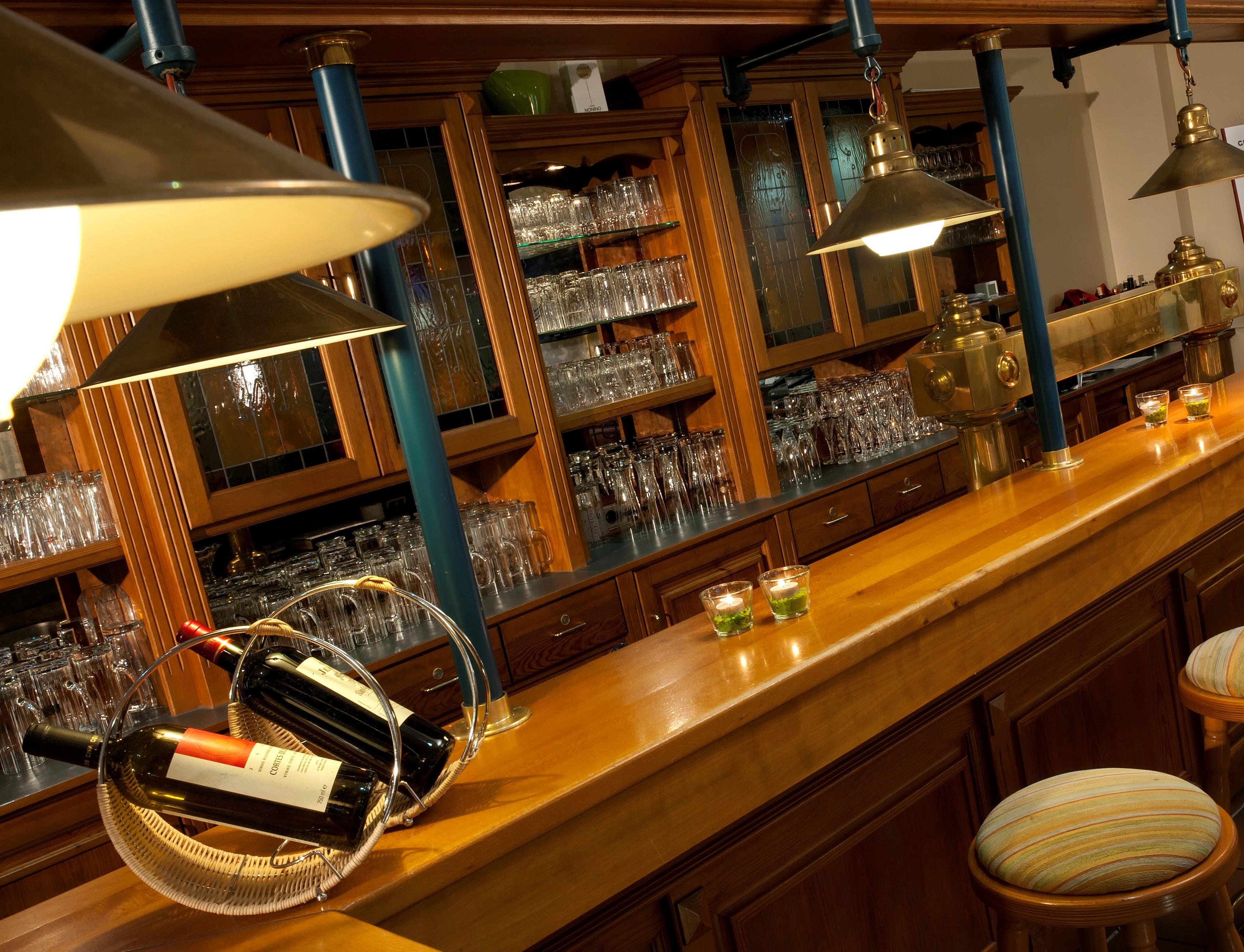 tryp by wyndham hotel bremen airport restaurant fr hst cksbuffet bar. Black Bedroom Furniture Sets. Home Design Ideas